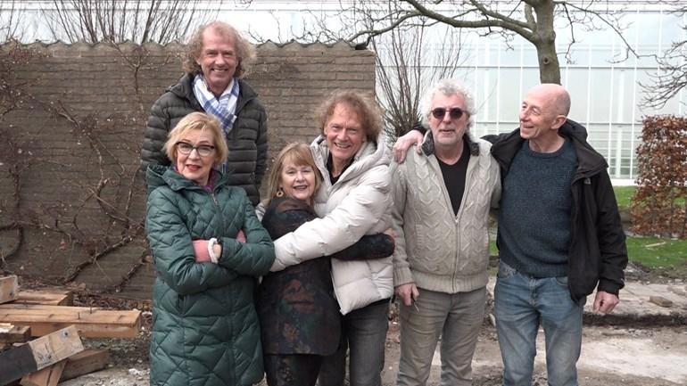 Drie stellen kopen samen boerderij in De Lier om niet in bejaardentehuis te belanden